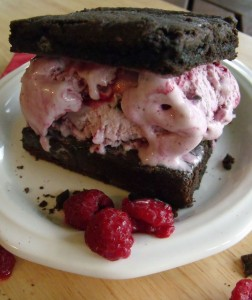 raspberry chocolate ice cream sandwich