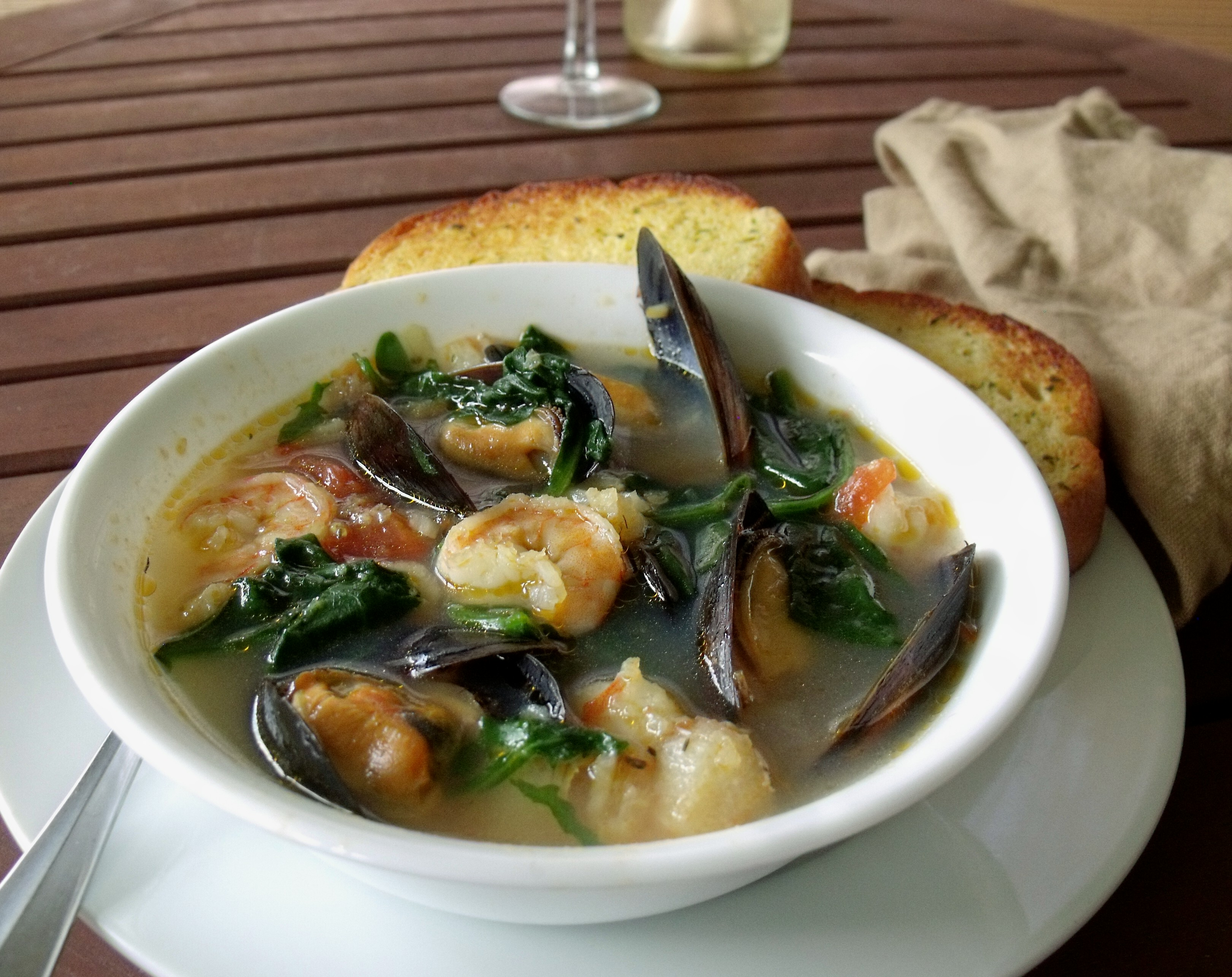 Seafood stew cindy 39 s recipes and writings for Recipe for seafood stew