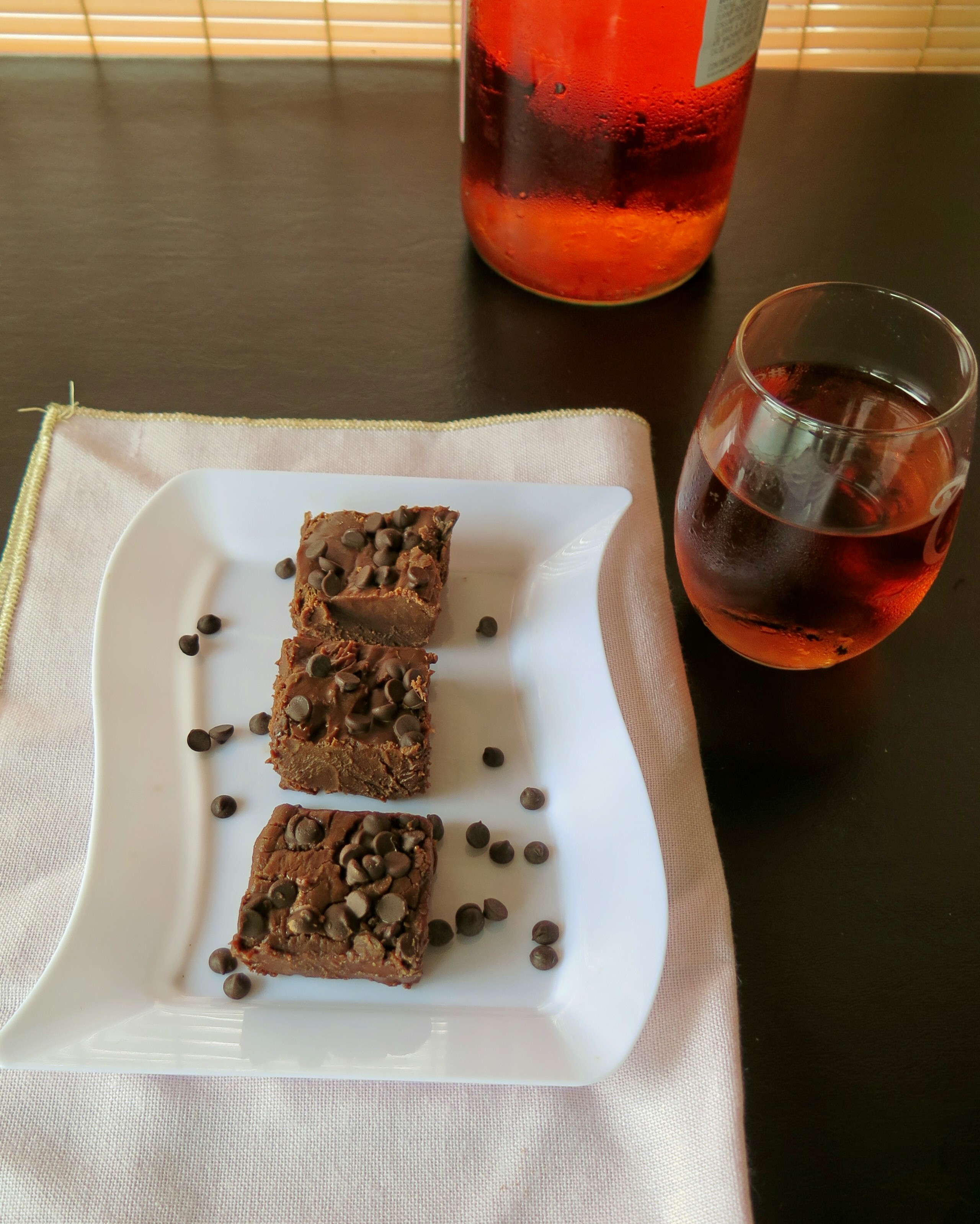 Chocolate Moscato Fudge #MoscatoDay - Cindy\'s Recipes and Writings