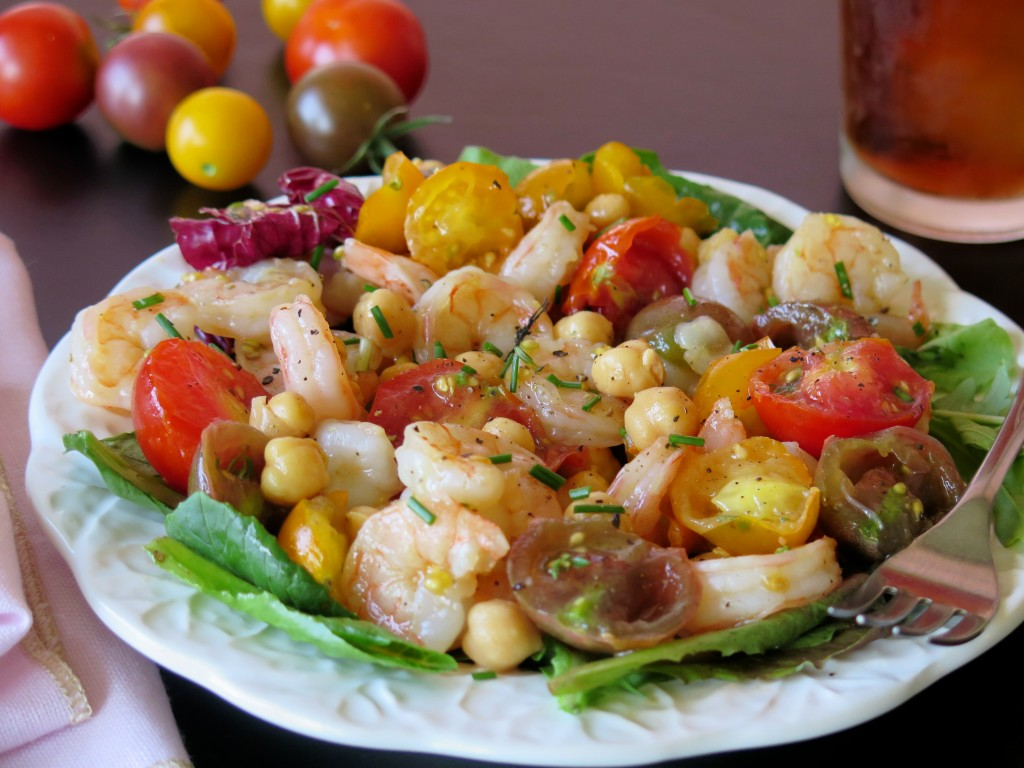 Shrimp Chickpeas and Tomatoes Salad