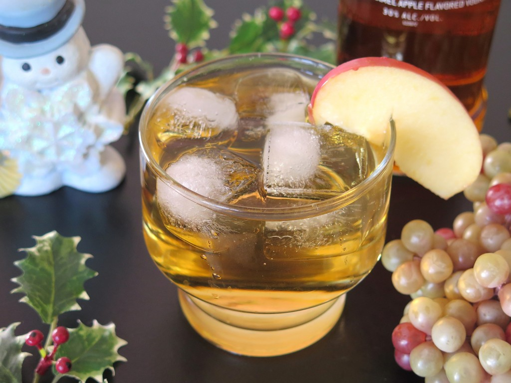 Happy Holidays Apple Cocktail