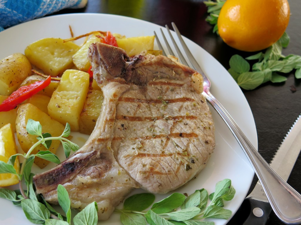 Brizola (Greek-style Pork Chops) #SundaySupper - Cindy's Recipes and ...