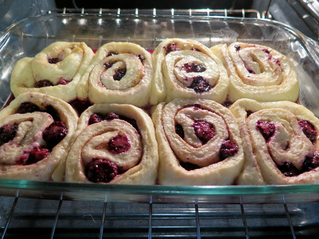 blackberry rolls pan 2
