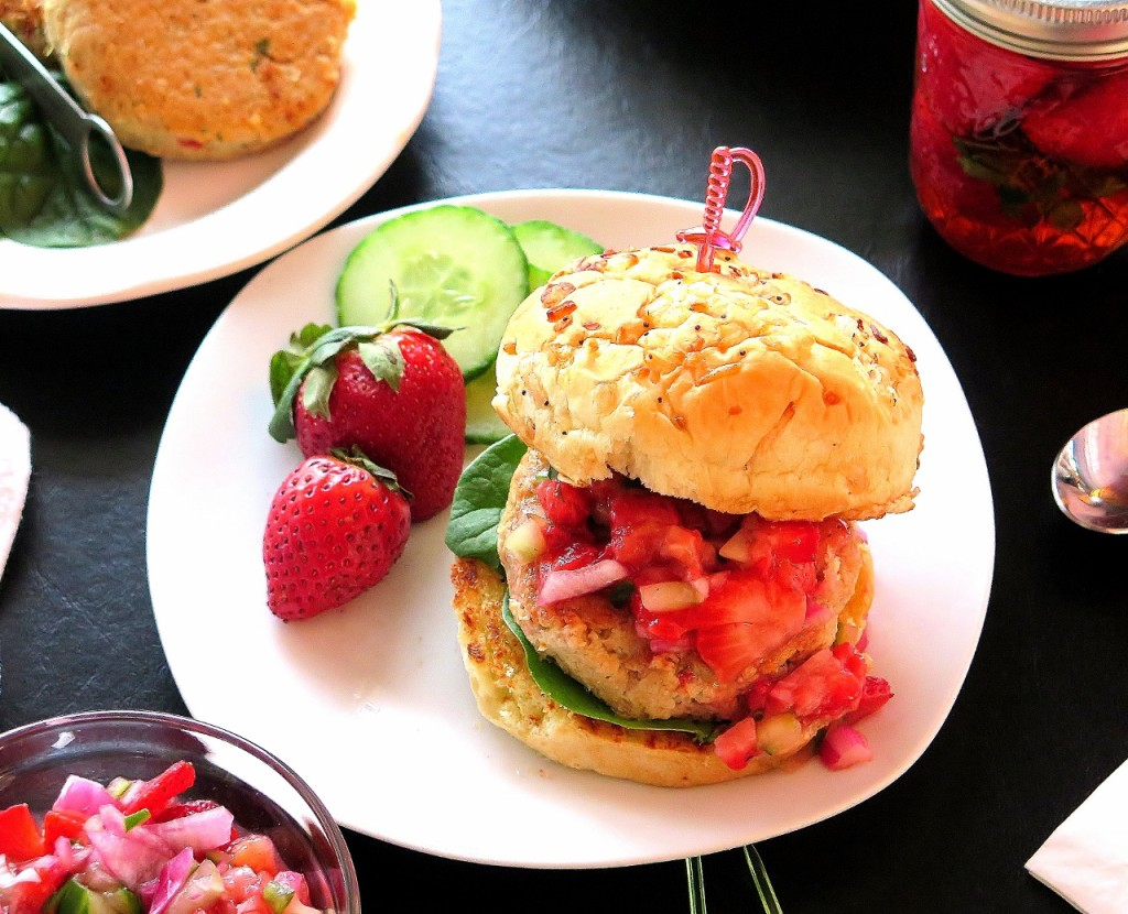 Tuna Burger with Pickled Strawberry Relish