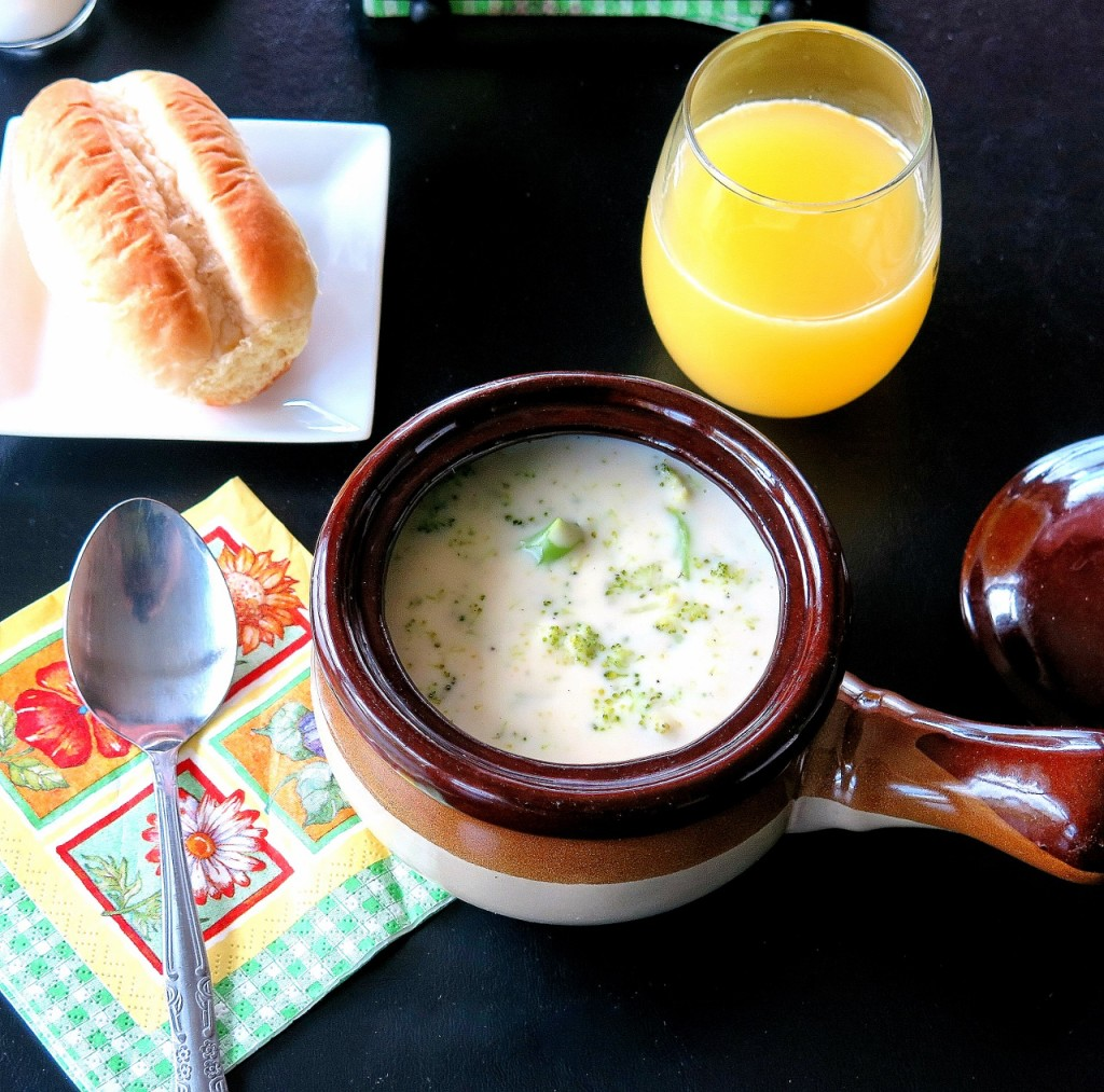 Cheddar Broccoli Soup #BrunchWeek