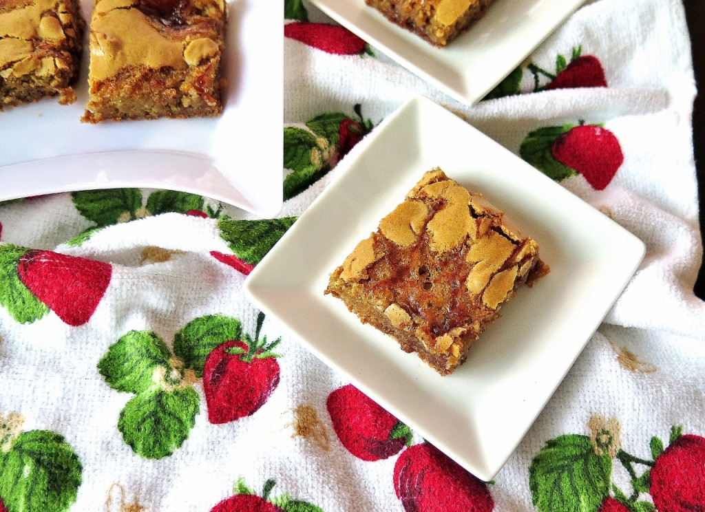 Double Strawberry Hazelnut Cookie Bar