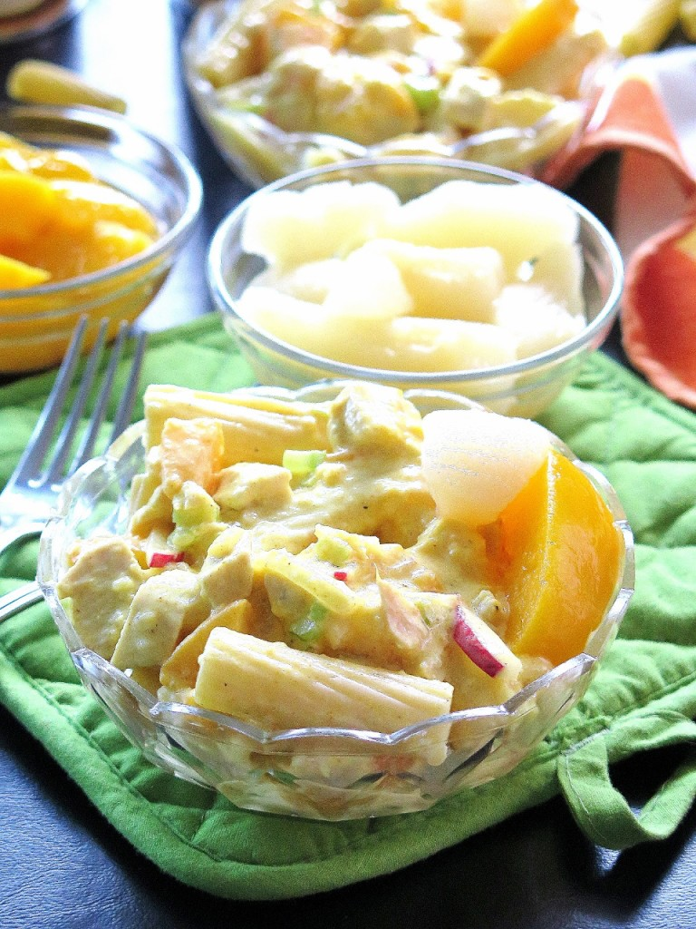 Peachy Pear Chicken Rigatoni Salad w Turmeric Kefir Dressing