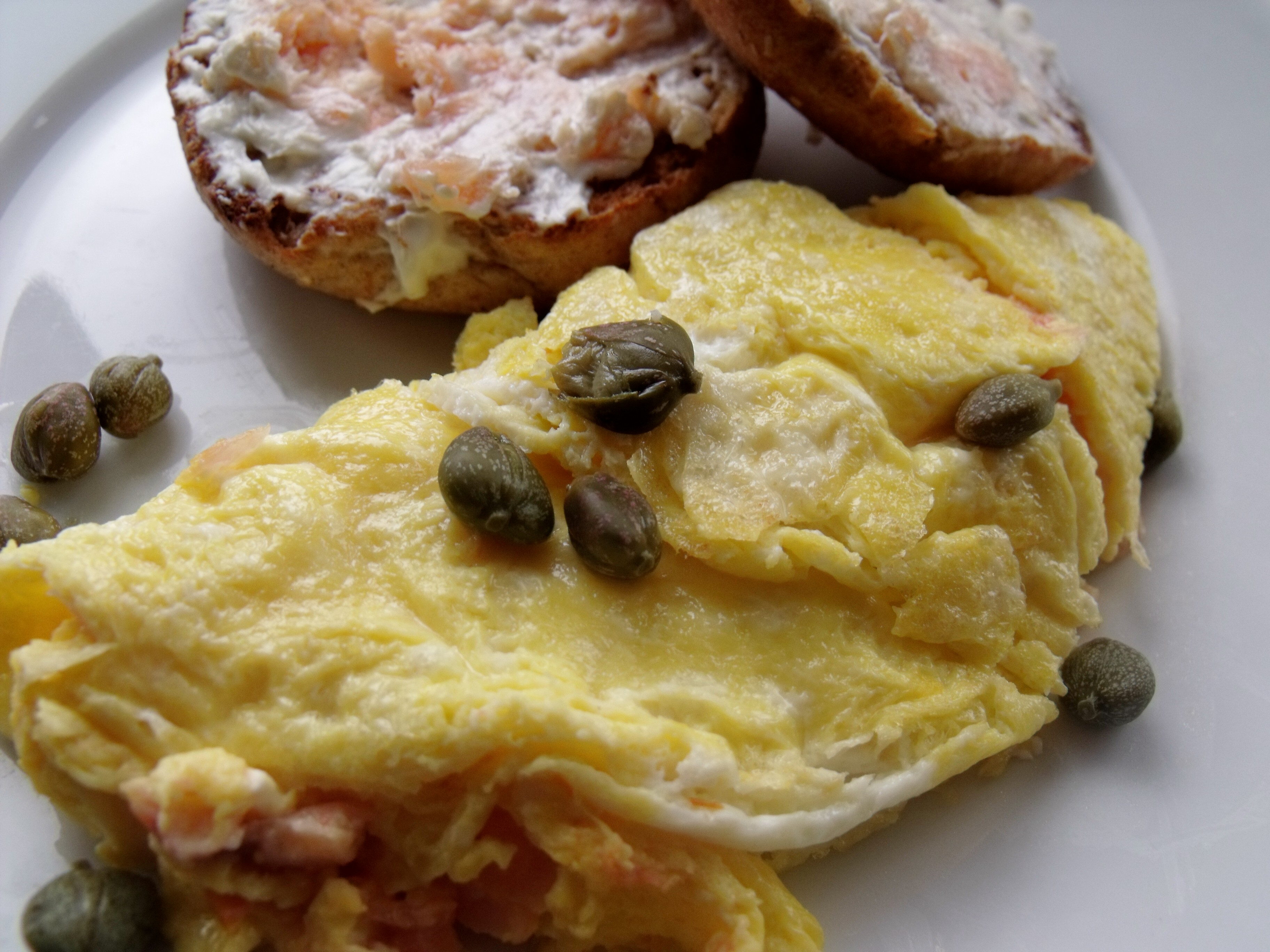 Lox & Cream Cheese Omelet #SundaySupper - Cindy's Recipes ...
